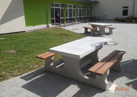 Picnic table DeLuxe Natural Concrete Wheelchair accessible